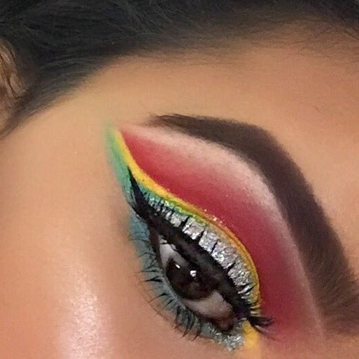 0fef9351d30 This Teen Used Makeup To Re-Create Album Covers And They Are ...