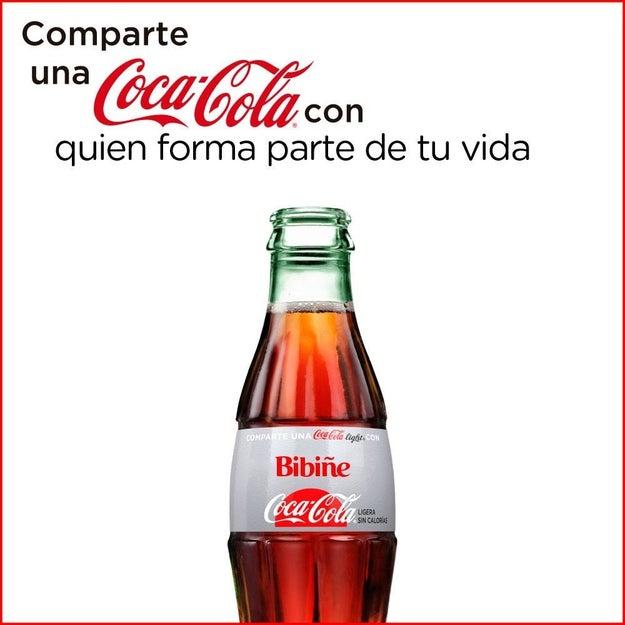 A partir de YA tu amiga de nombre extraño ya no tiene por qué sentirse mal de no tener su propia Coca.