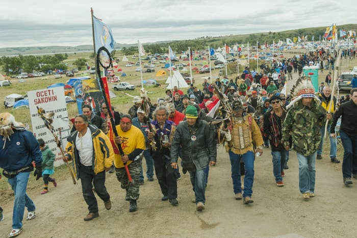 Protesters demonstrate against the Energy Transfer Partners' Dakota Access oil pipeline near the Standing Rock Sioux reservation in Cannon Ball, North Dakota, US. Sept. 9, 2016. REUTERS/Andrew Cullen