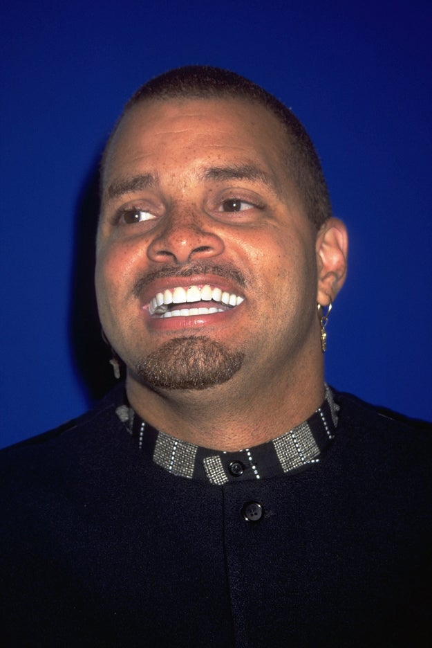 People remember a Sinbad genie movie from the '90s, but there isn't one.