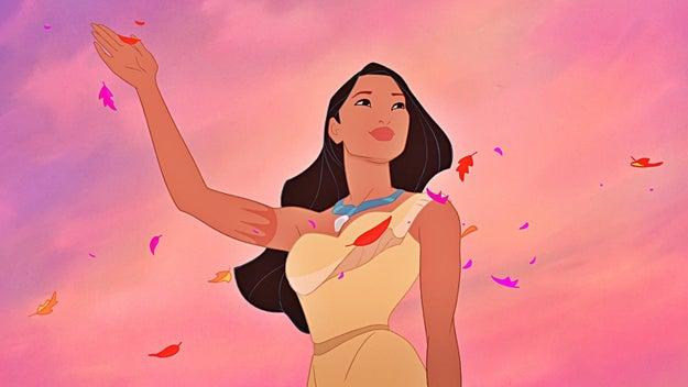 Pocahontas es la única princesa con un tatuaje.