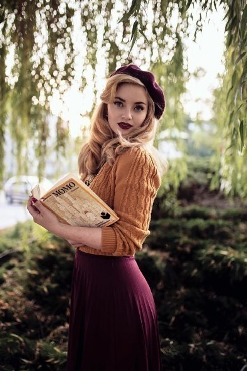 19 Women With Vintage Style Youll Want To Follow On Instagram-9101