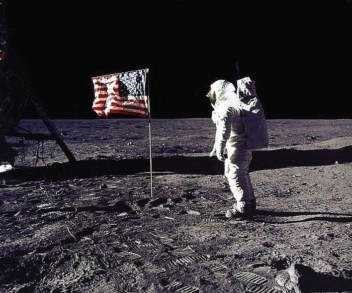Duró 8 días en los que les dio tiempo a ir a la Luna y volver.