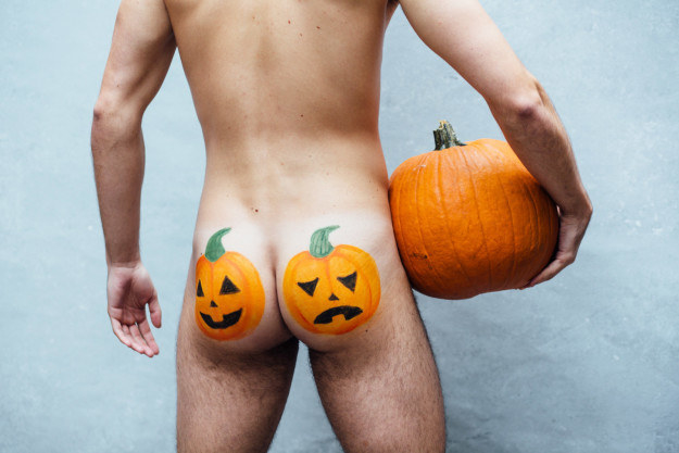 FACT: Everybody knows that Halloween is THE GREATEST TIME OF YEAR. Butt, just in case you forgot – we enlisted some brave backsides to show why the spooky season slays all the rest.