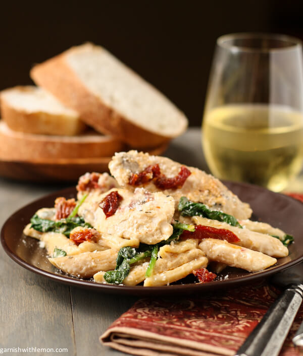 Penne With Chicken, Sun-Dried Tomatoes, and Spinach