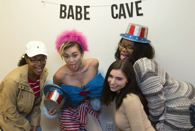 Miley Cyrus Spent Two Hours In A College Dorm On Saturday Doing Voter Outreach