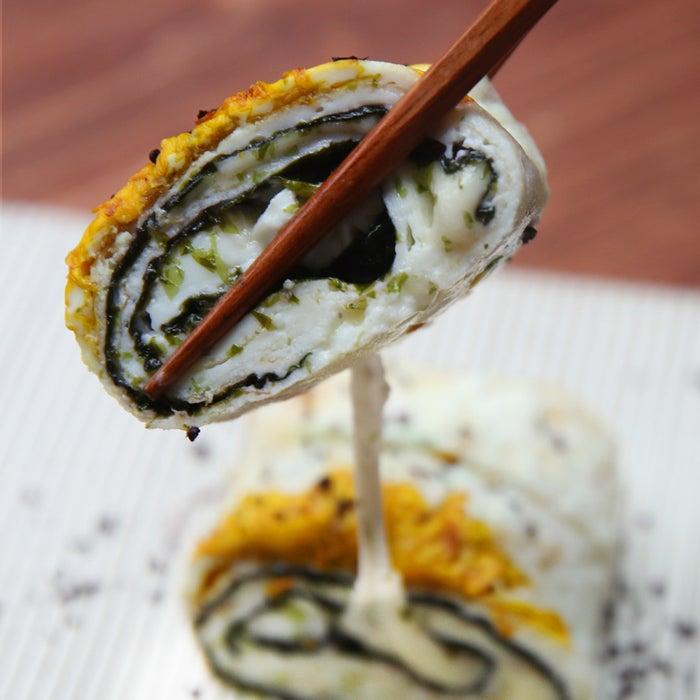 1-2人分材料:卵白 4個分塩 ひとつまみ海苔 2枚チーズ 2枚食用菊 1個ゆかり 適量
