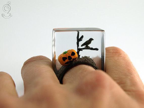 Creepy Pumpkin, Crow, and Tree Limb Ring