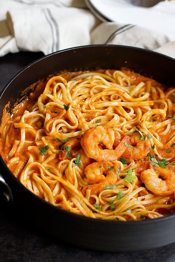 Easy Spicy Shrimp Marinara Linguine