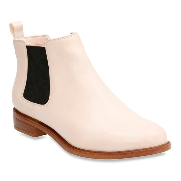 Pale pink Clarks boots that will be your cold-weather faves!