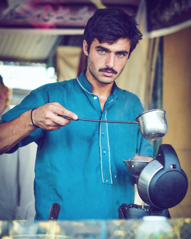 If you've not heard of Arshad Khan, the viral and incredibly gorgeous Pakistani tea seller, in the past week, you've probably been living under a rock.