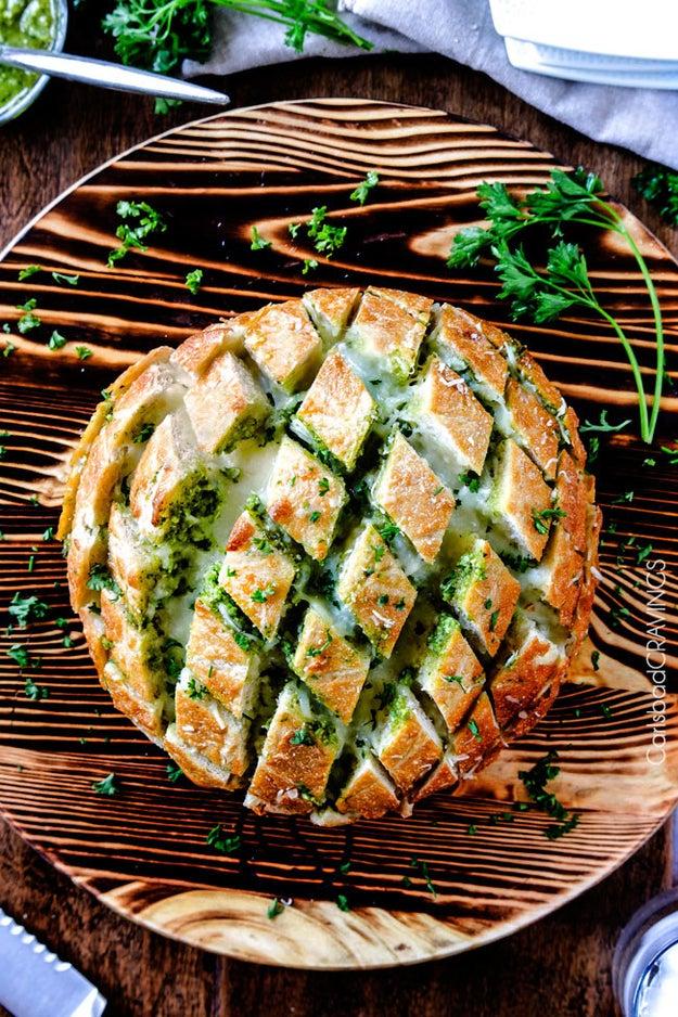 Cheesy Pull-Apart Pesto Bread
