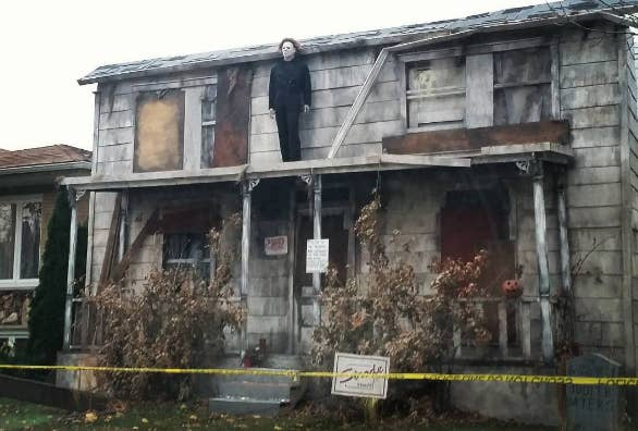 this insane replica of michael myerss house from halloween that brings back horrifying memories - Michael Myers Halloween Decorations