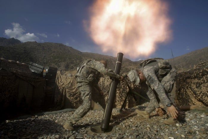 US soldiers fight in Afghanistan in 2009