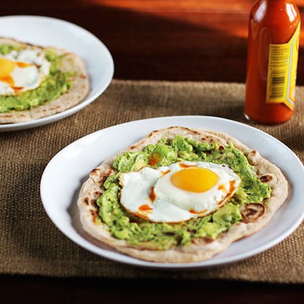 Easy Avocado And Egg Breakfast Pizza