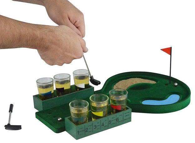 Ésta debe ser la forma más entretenida de jugar mini golfito bebé ($333).