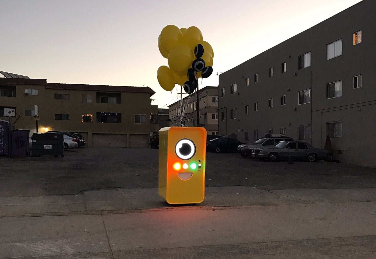 The Snapbot, a yellow Minion-shaped vending machine, has popped up in Venice Beach, CA.