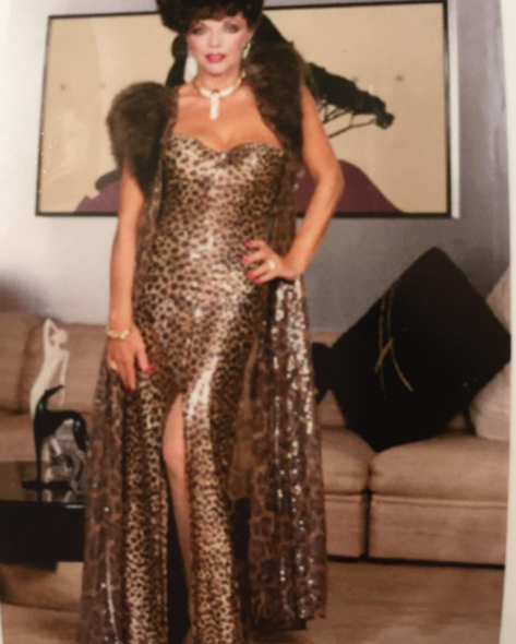 Joan Collins posted this GLAM photo of herself from her Dynasty days.
