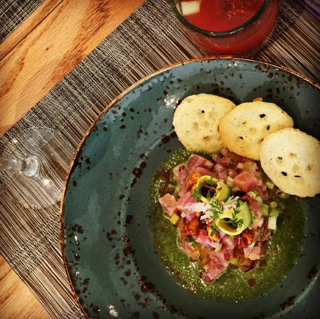 ¿Dónde, si no en Oaxaca puedes probar este aguachile de atún y xoconostle?