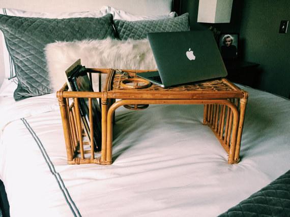 Esta mesa para no levantarte de la cama nunca en la vida ($1473).