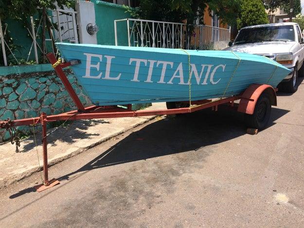 Este Titanic que no se hundió en el Atlántico Norte, sino que está en reparación.