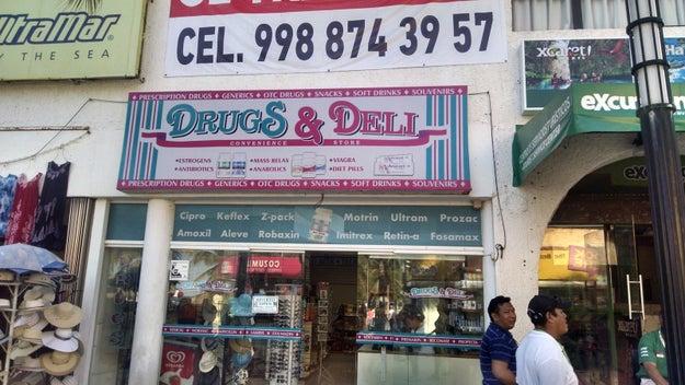 Esta tienda en Cozumel que vende desde Viagra hasta souvenirs.