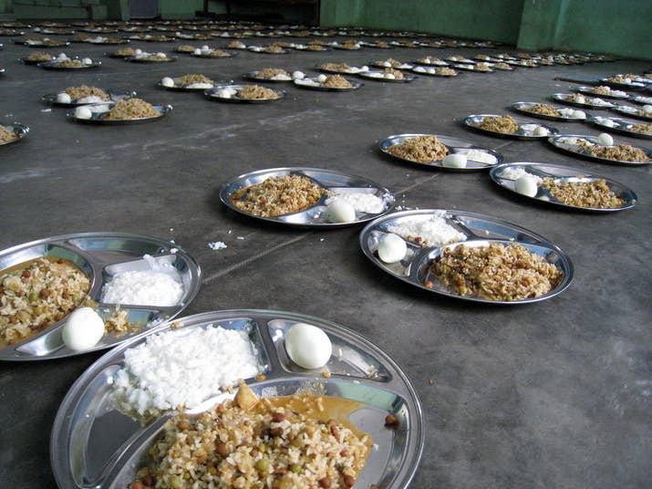 Menu makan siang di India
