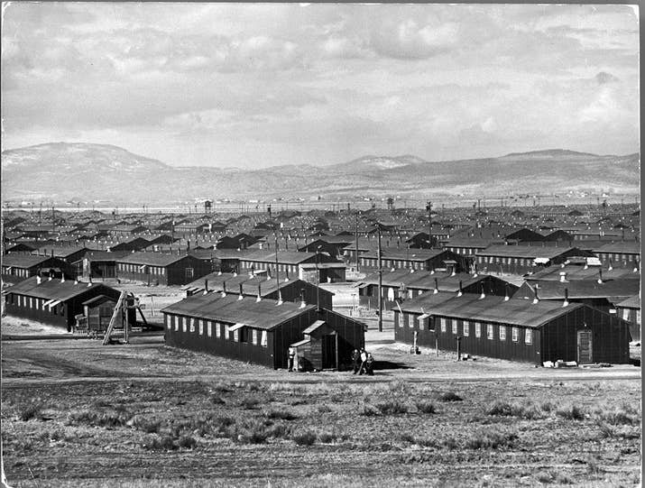 22 Chilling Pictures Of Life At Japanese Internment Camps