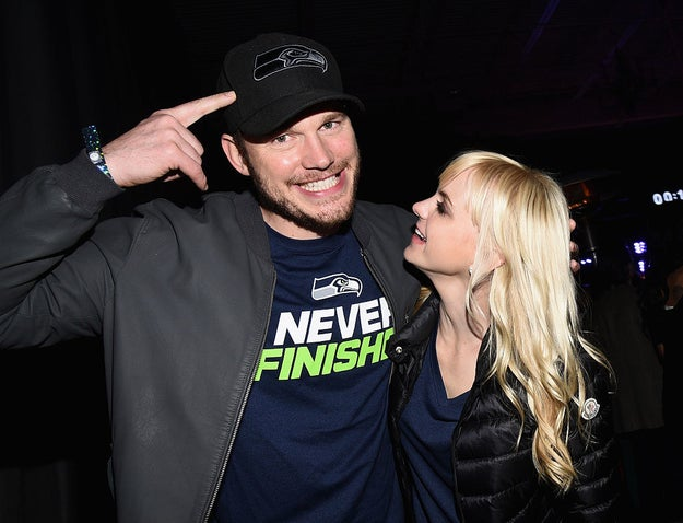 Chris Pratt and Anna Faris are couple goals for many reasons, but let's talk about one reason in particular: their mutual love of the Seattle Seahawks.