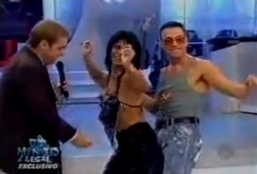 Tem coisa mais Brasil que participar de um programa de auditório com cenas impróprias para o horário, como o Van Damme no Gugu?