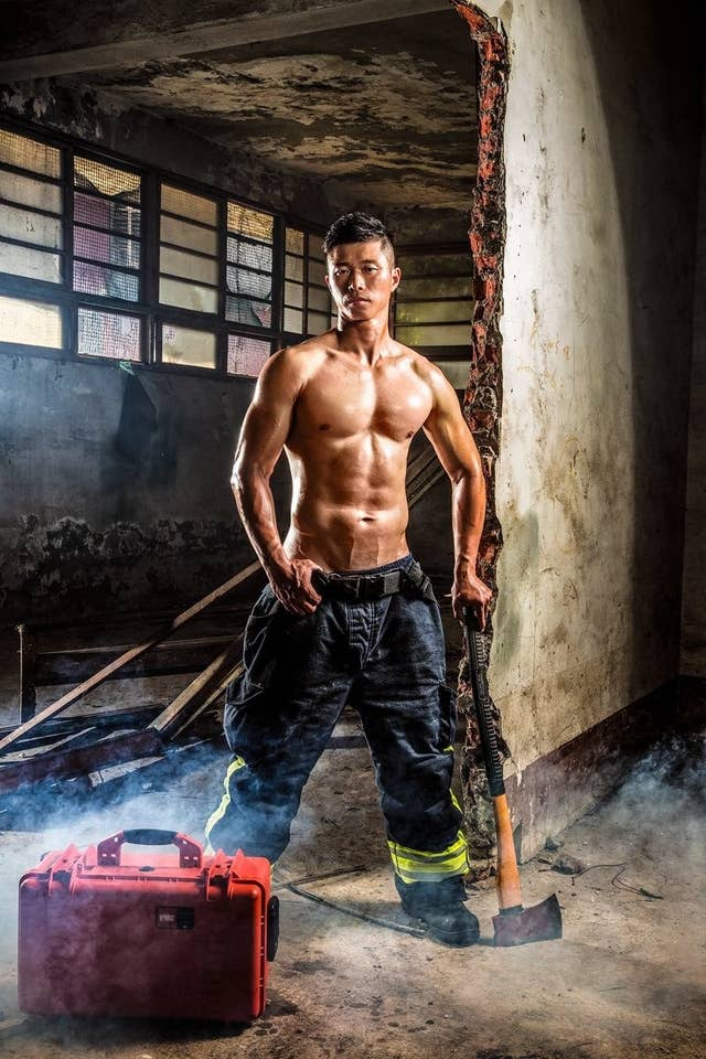 People Can T Get Enough Of These Photos Of Really Hot Firefighters