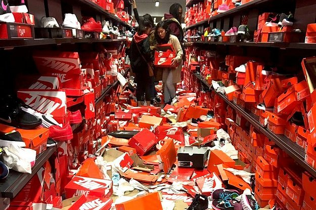 4cfe1f3d8103 Black Friday Shoppers Completely Destroyed This Nike Store