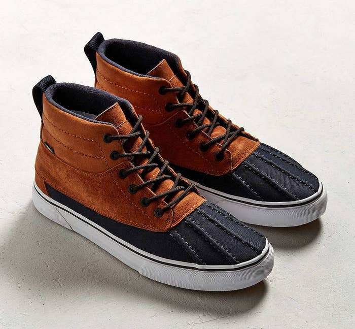 Trade in your slip-ons for these sharp Vans sneakerboots that are equipped  with a fleece lining 9fa787780