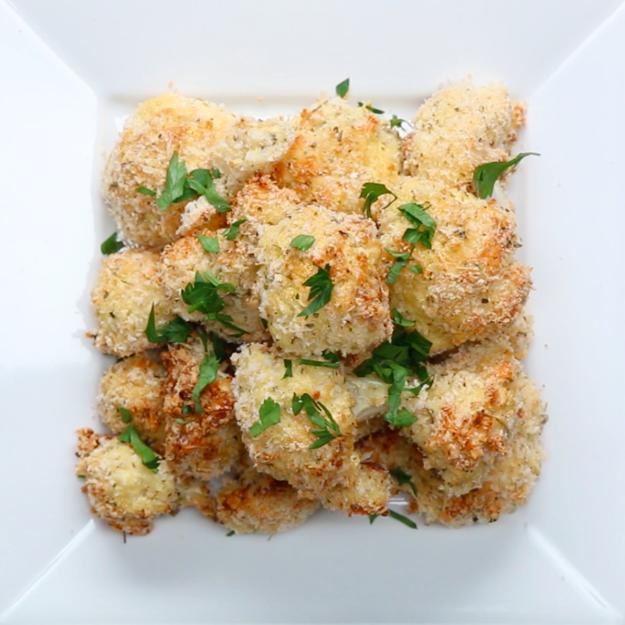 Garlic Parmesan Cauliflower Bites