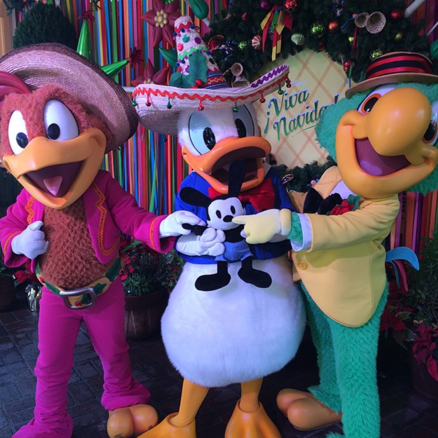 And the Disney ¡Viva Navidad! Authentic Latino holiday fiesta features musicians, dancers, and storytellers.