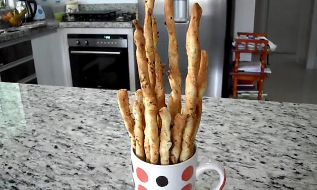Aí você tenta fazer uns palitinhos de cebola...