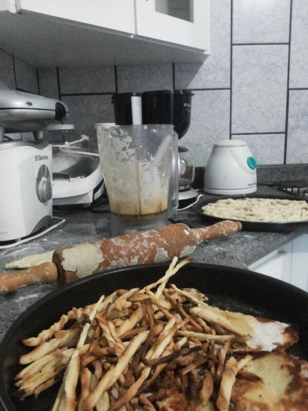 ...a sua cozinha fica assim e metade sai queimada.