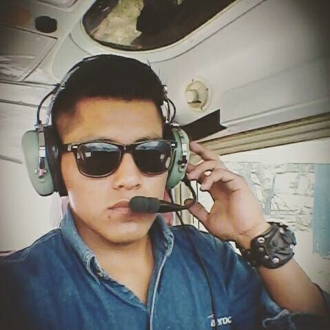 Erwin Tumiri, técnico de vuelo