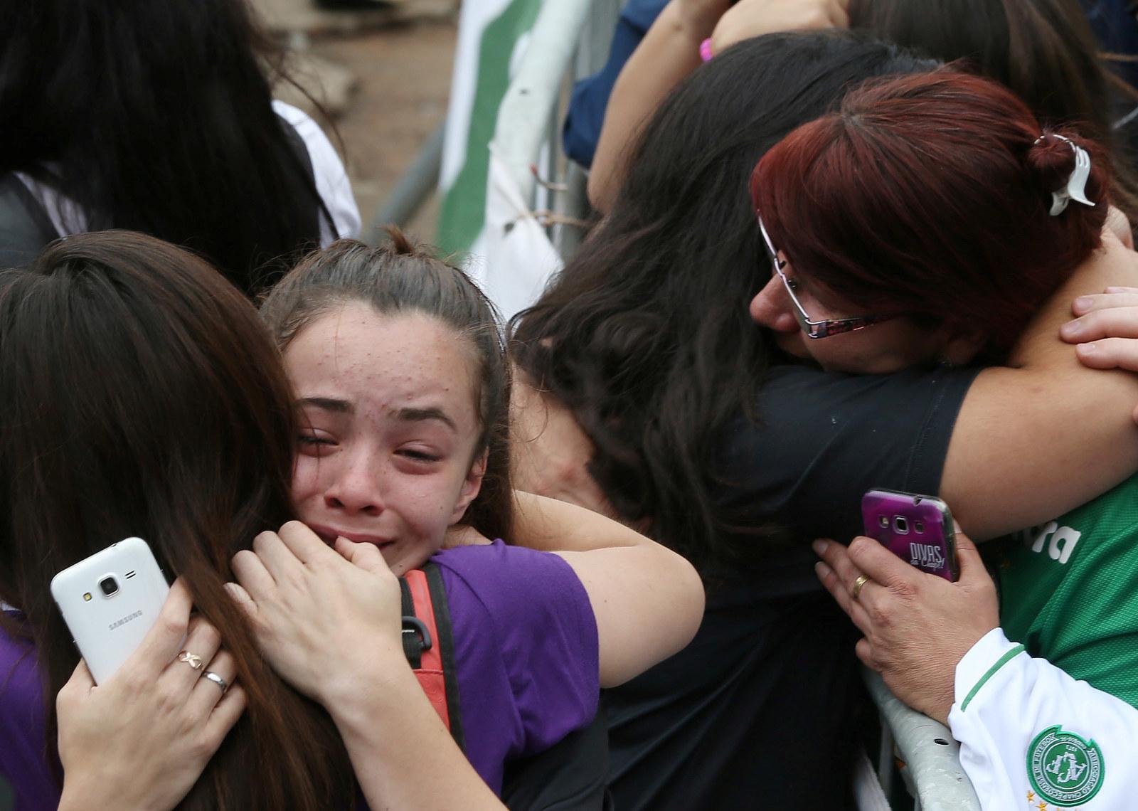 Veja fotos da comoção em Chapecó após a tragédia na Colômbia