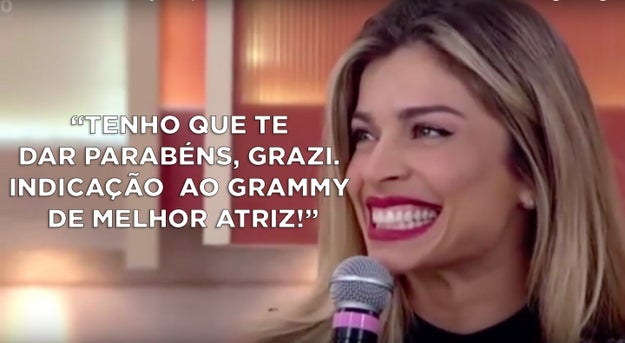 Fátima Bernardes indicando a Grazi Mazzafera ao Grammy (oi?) no