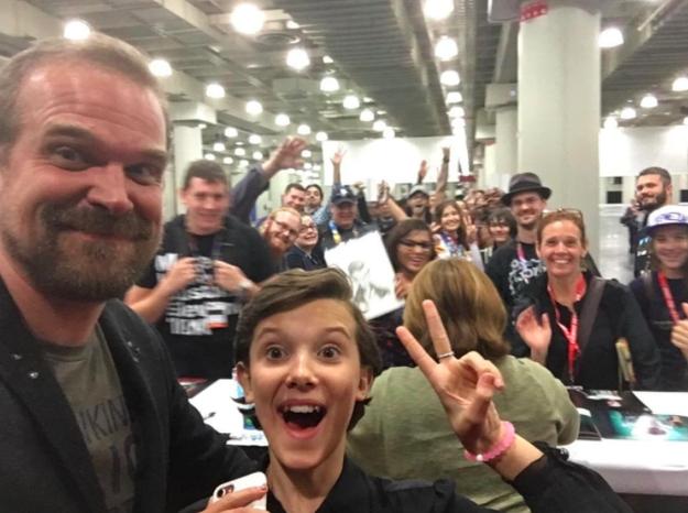 David Harbour y Millie ganaron todo en la Comic-Con de Nueva York.