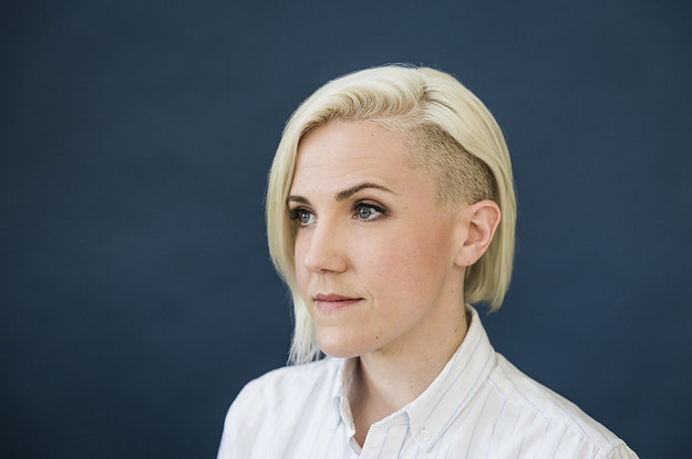 Hannah Hart Might Be YouTube's First Crossover Queer Icon