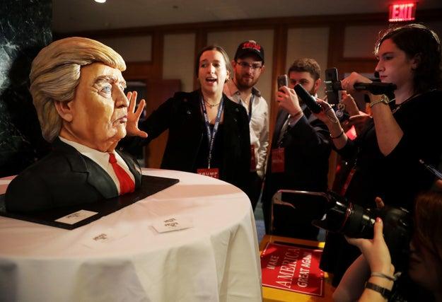 No es ningún secreto: estas elecciones en Estados Unidos han sido... surrealistas.