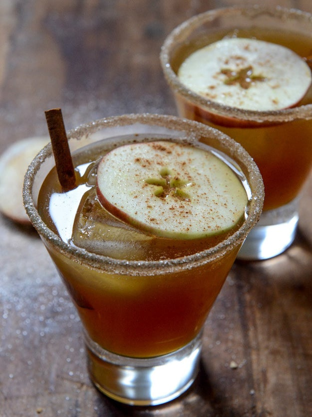 Spiced Amaretto Apple Cider Kiss