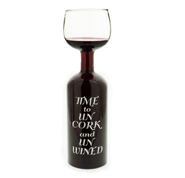 No necesitas una copa de vino cuando puedes aprovechar la botella entera, solo para ti ($460).