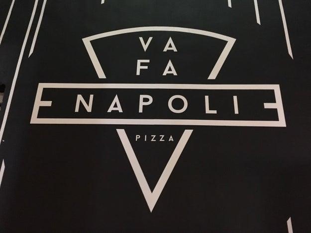 Y dentro del Comedor Chapultepec 20, está Va Fa Napoli