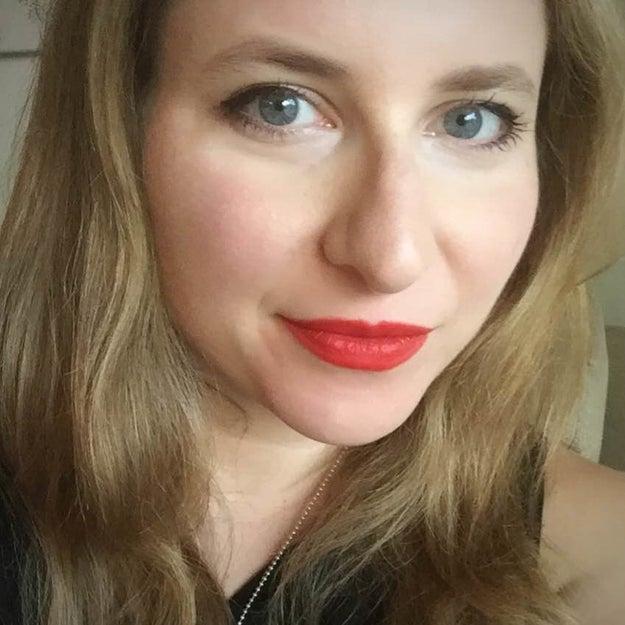 제시카 랭거입니다. 그녀는 최근 토론토에서 Ryerson University의 마케팅 및 창조 산업 분야의 학기 중 마지막 과정 인 10 년 동안 교육자로 일해 왔습니다.