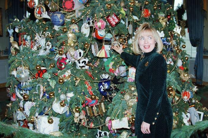Hillary Clinton Christmas.24 Amazing Christmas Photos Of 90s Hillary Clinton