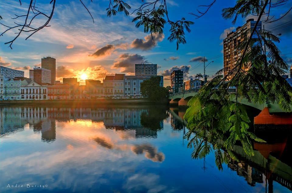 Recife (PE).