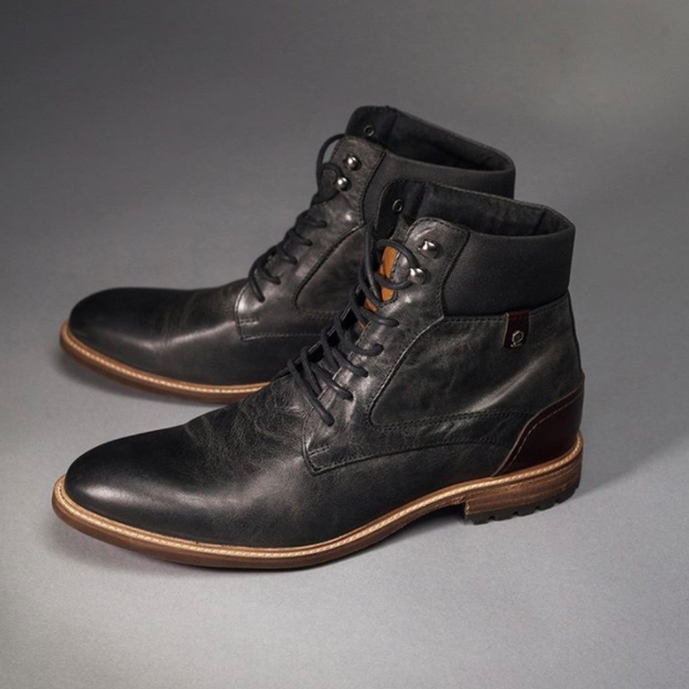 Un par de zapatos, porque unas botas así nunca fallan ($1,649).